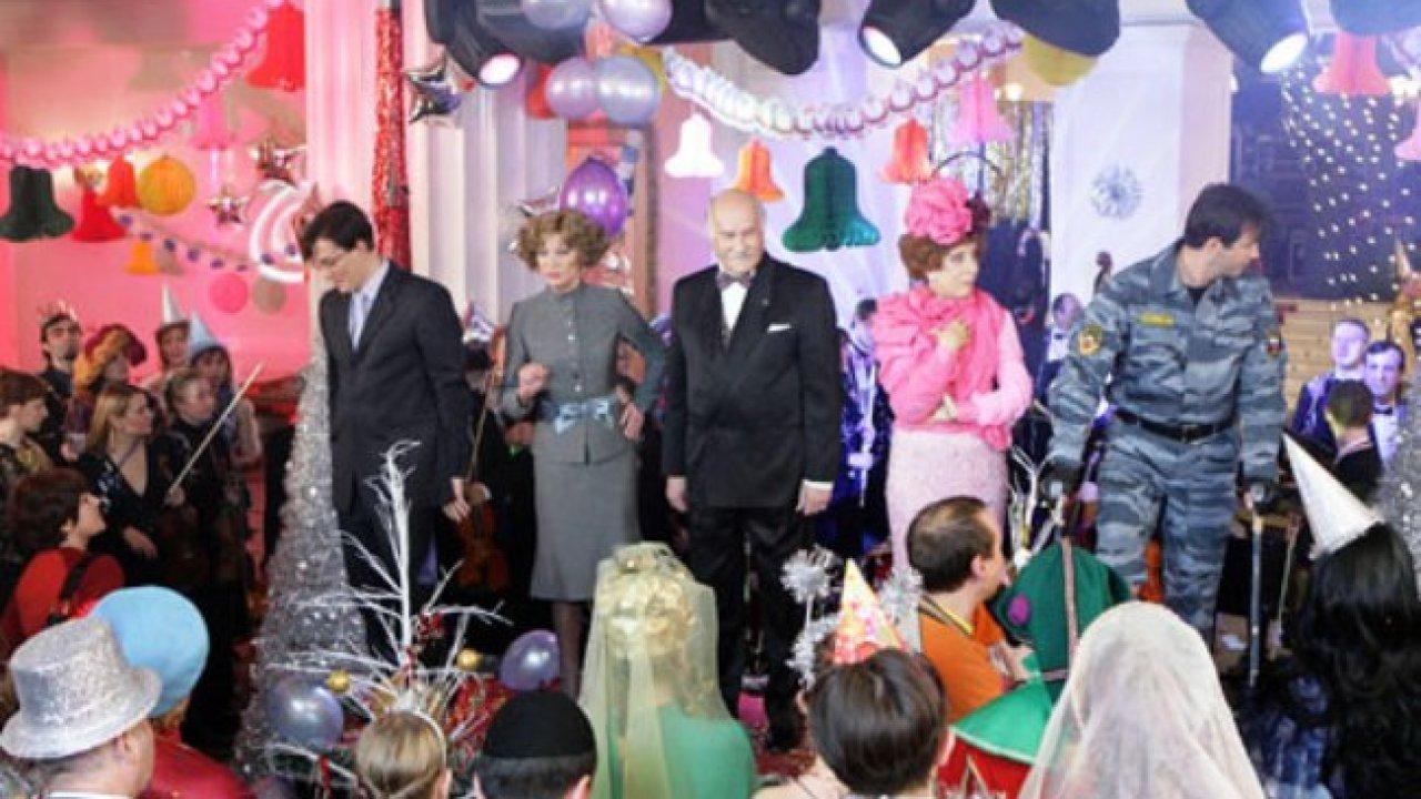 Карнавальная ночь-2