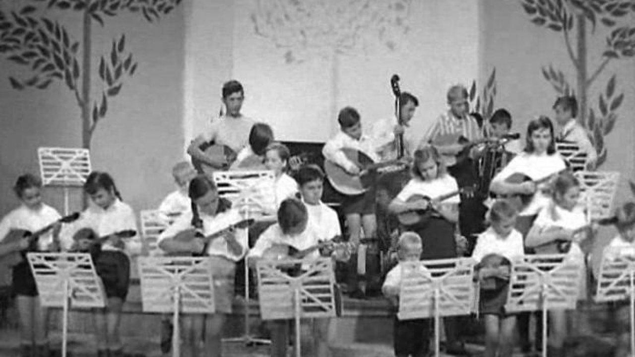 Маленький школьный оркестр