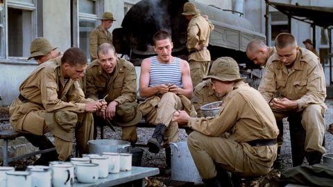 ТЕСТ: Отгадайте фильмы про моряков и десантников по одному кадру!