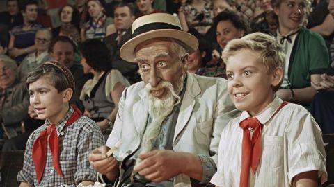 ТЕСТ: Насколько хорошо вы помните фильм «Старик Хоттабыч»?