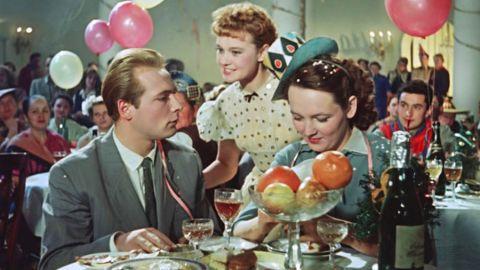 ПРАЗДНИЧНЫЙ ТЕСТ: Угадайте новогодние фильмы по одному кадру!