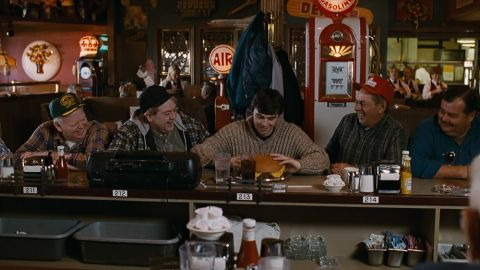 «Не все американцы показаны плохо, и не все русские — хорошо»: что иностранцы думают о фильме «Брат-2»