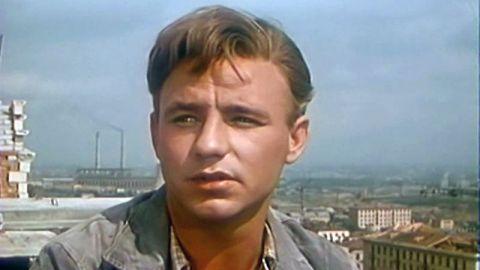 ТЕСТ: Угадайте, кем работали герои Николая Рыбникова!