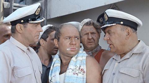 ТЕСТ: Помните ли вы фильм «Полосатый рейс»?